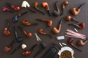 Collection of pipes and pipe smoking utensils