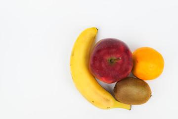 Mehrere Früchte von oben. Freigestellt auf weißem Hintergrund.