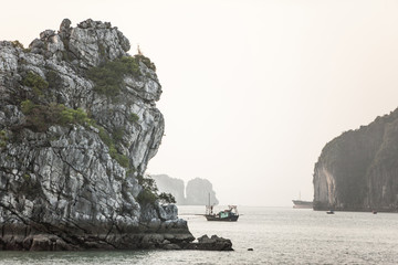 Fishing boat in Halong Bay, UNESCO World Heritage Site, Vietnam, Indochina, Southeast Asia, Asia