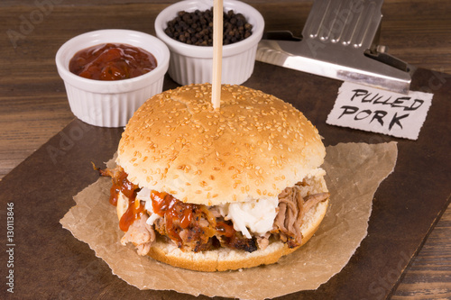 pulled pork burger mit so e 130113846. Black Bedroom Furniture Sets. Home Design Ideas