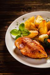 Roast chicken fillet and vegetable salad