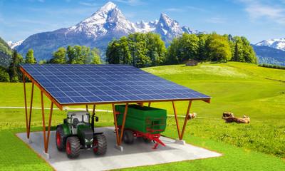 Unterstellplatz mit Solarmodulen