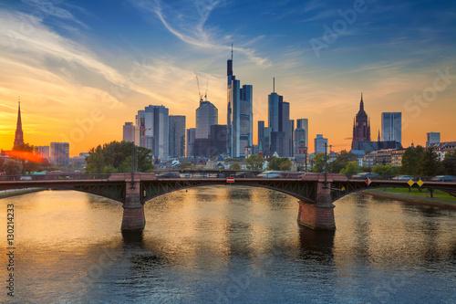 страны архитектура вечер город Франкфурт-на-Майне Германия  № 155589  скачать