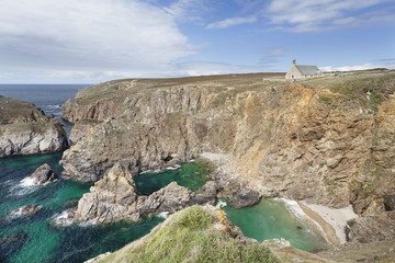 Coastal landscape at the Pointe du Van with the Chapelle Saint They, Peninsula Sizun, Finistere, Brittany, France, Europe