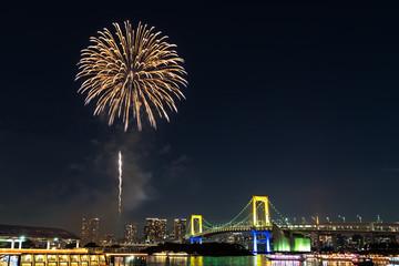 Nightview of Rainbow Bridge and Fireworks (レインボーブリッジ夜景と花火)