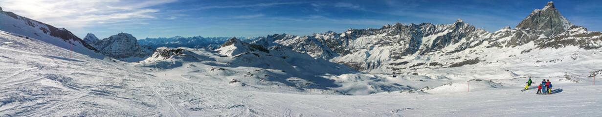 Sciare sulle piste di Cervinia
