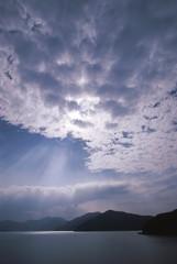 雲と薄明光線
