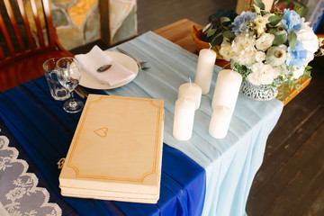 Wooden box on the Bridal table for the newlyweds