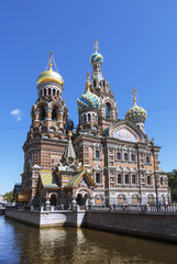 Poster Bridges The Cathedral of the Spilled Blood in St. Petersburg, Russia.