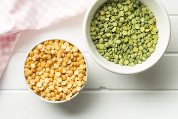 Green and yellow split peas.