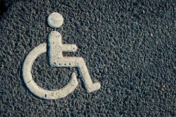 signe signalétique symbole handicap handicapé réservé accès