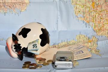 Ahorros para vacaciones Ha llegado el momento de contar los ahorros para el viaje.