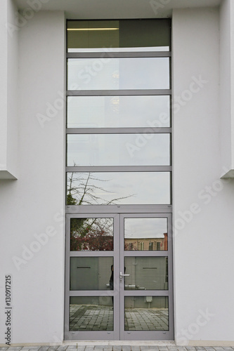 Porte d 39 entr e ext rieur maison stock photo and royalty for Porte maison exterieur
