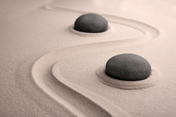 Photo sur Plexiglas Zen pierres a sable Zen stones on sand