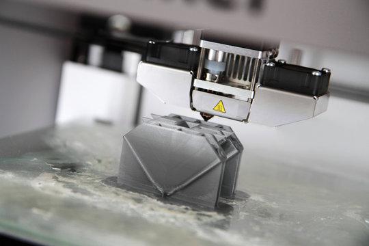 3d printer making plastic prototype