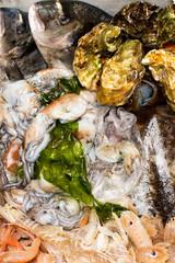 Cassetta di pesce fresco
