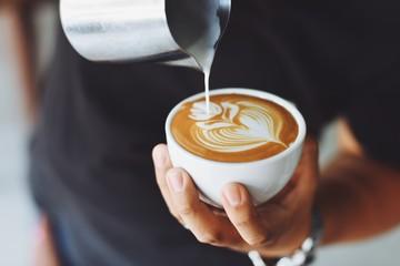 Estores personalizados con tu foto coffee latte in coffee shop cafe