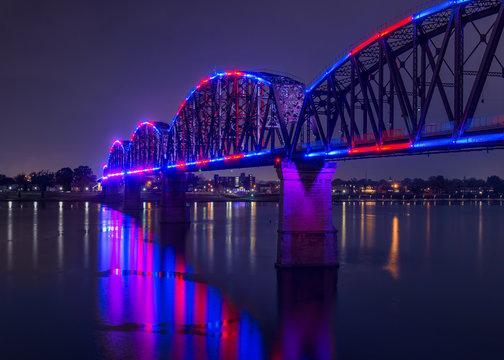 Big Four Bridge across the Ohio River in Louisville, Kentucky at night