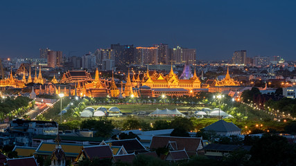 Poster Temple Temple of Emerald Buddha and Grand Palace in Bangkok at night