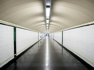 Perspective tunnel in the metro without people