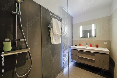 Salle de bain douche italienne stock photo and royalty free images on pic 131306642 for Photo douche italienne