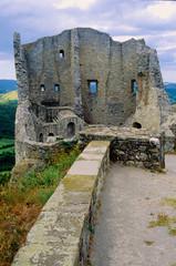 castello di canossa matilde di canossa vecchi ruderi storici reggio emilia emilia romagna