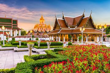 Papiers peints Edifice religieux Loha Prasat Metal Temple in Bangkok, Thailand.