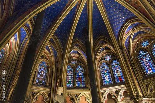 Plafond et vitraux de la sainte chapelle stock photo and - Plafond de la chapelle sixtine description ...