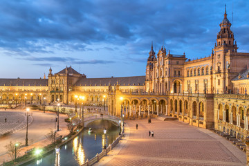 Fototapete - Plaza de Espana in the evening in Seville