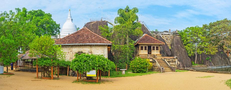 Panorama of Isurumuniya Temple