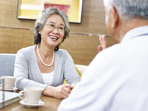 chat with chinese women elder