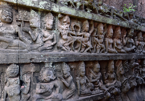 Quot khmer sculptures of apsara dance with mahabharata