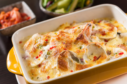 Baked rice with seafood