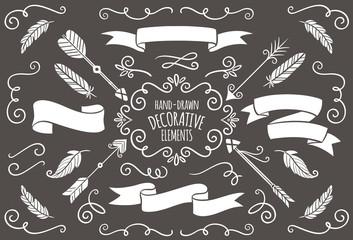 Colección de elementos decorativos dibujados a mano.