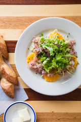 Fresh Citrus Salad with Tuna and a baguette with butter