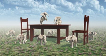 Tisch, Stühle und zwergenhafte Elefanten