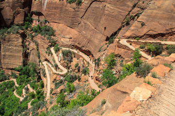 Walking trail to Angels Landing in Zion Canyon