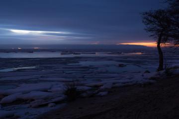 Закат во льдах не Финском заливе