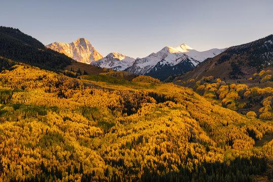 Fall color Capital Peaks, snowmass village, Colorado