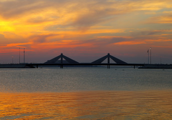 Sheikh Salman Causeway bridge, the design with two sail-like str