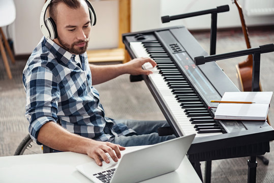 Disable musician checking out new material