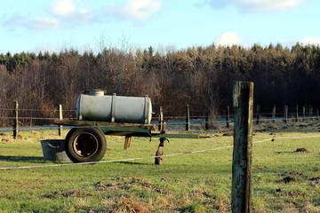 Wasserbehälter als Anhänger in der Landwirtschaft