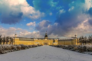 Karlsruher Schloss von vorne