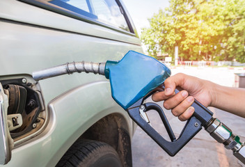 hand hold fuel nozzle refueling gas pump for the car in service station