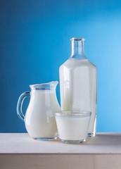 lait,laiterie,laitier,bouteille,blanc,bleu,vache,cruche,verre,petit-déjeuner,sain,calcium,fromage,