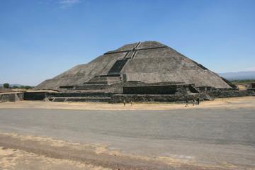 Impressive Pyramid of the Sun, Avenue of the Dead, Pre- Columbine Mesoamerican city Teotihuacan, Mexico