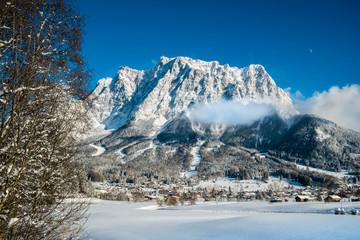 Ehrwald und die Zugspitze im Winter Wall mural
