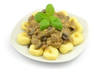 kluski z sosem grzybowym