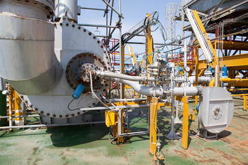 Oil Platform pipeline and pressure transfer system