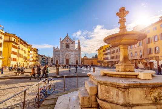 FIRENZE,ITALY/JANUARY 03,2012: Florence-Square and the Basilica